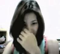 Cute Chx Nilamas Ang Bilog na Bilog na Suso sa Webcam