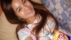 College Student na 19 Years Old, Pinakita Ang Suso