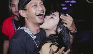 Meet and Fuck sa Club, Oyeah! Dami Talagang Babaeng Paiyot
