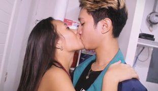 Isabel Villanueva Nakipag Laplapan sa Tatlong Lalaki, GRABE!